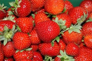 1_strawberries-1182217_1920