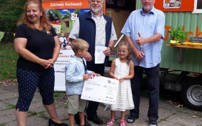 Spendenscheck vom Deutschen Kinderhilfswerk für Julchens Kochmobil digital